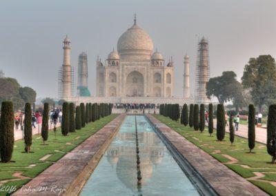 Crowds at Taj
